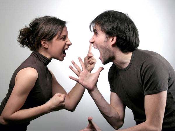Mơ thấy cãi nhau là điềm báo tốt hay xấu, đánh con gì?